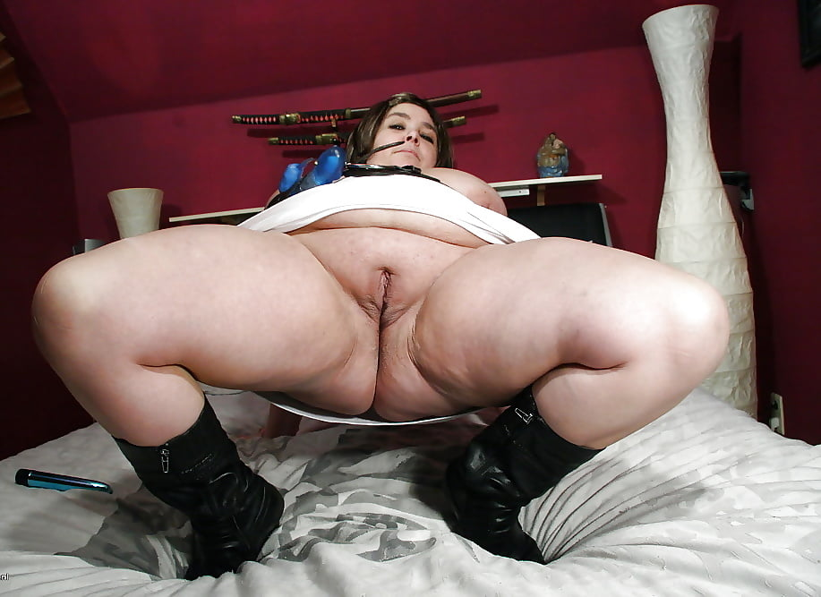 Mature bbw ass play solo free pics