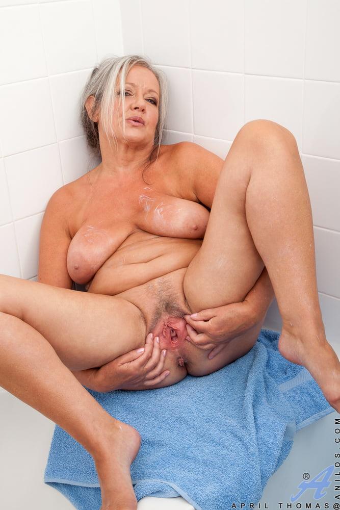 Free porn shower, masturbation pics