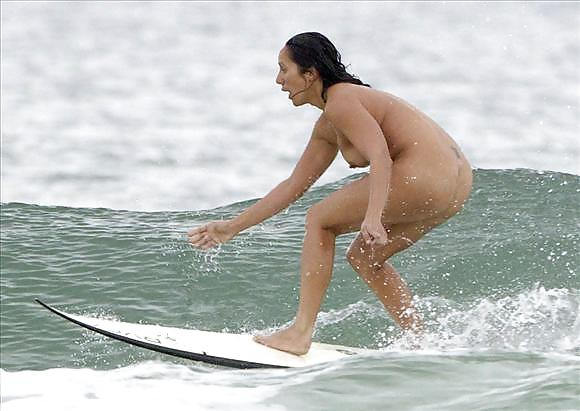Surfers urged to strip naked