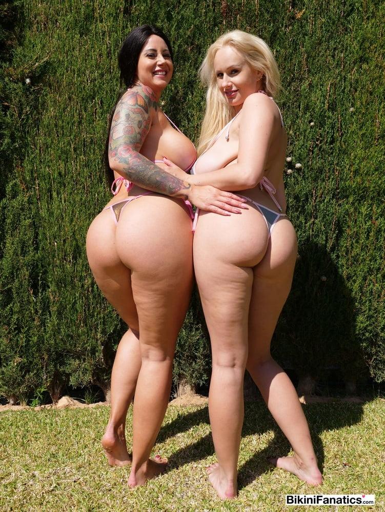 2 Big boobs, round ass bikini models - 12 Pics