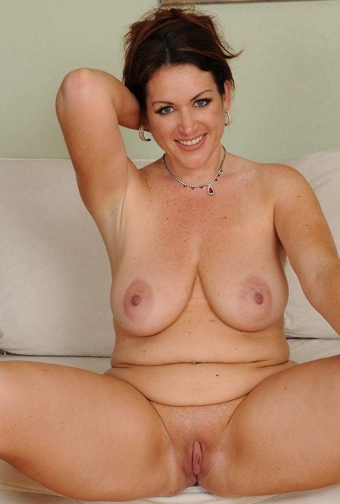 Beautiful Mature Nude Free Porn Photo