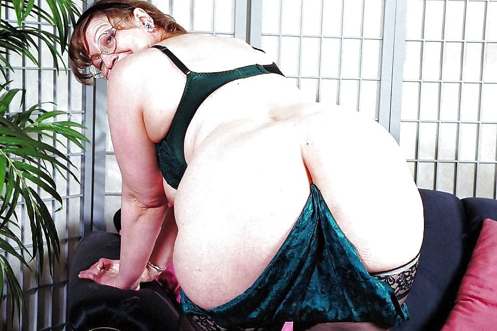 Mature big butt judy pics — pic 9
