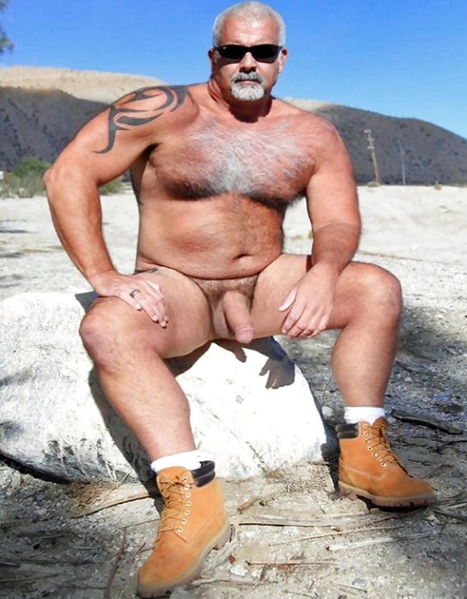 bear-gryll-naked-fake-pics