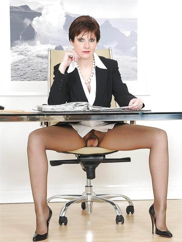 Пизда деловой женщины, эротика исповедь на троих все части
