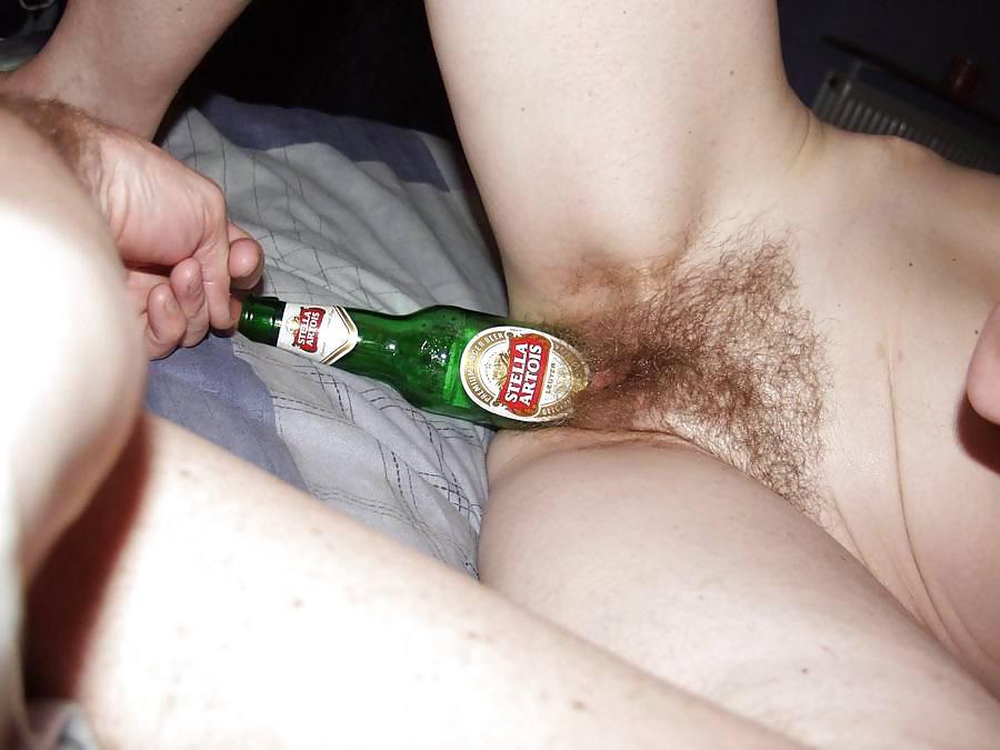 позволяла это пьяную ебут бутылкой голые