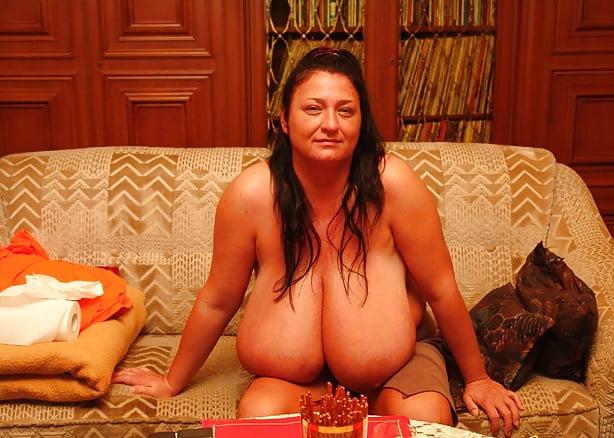 Enormous boobs milf-9079