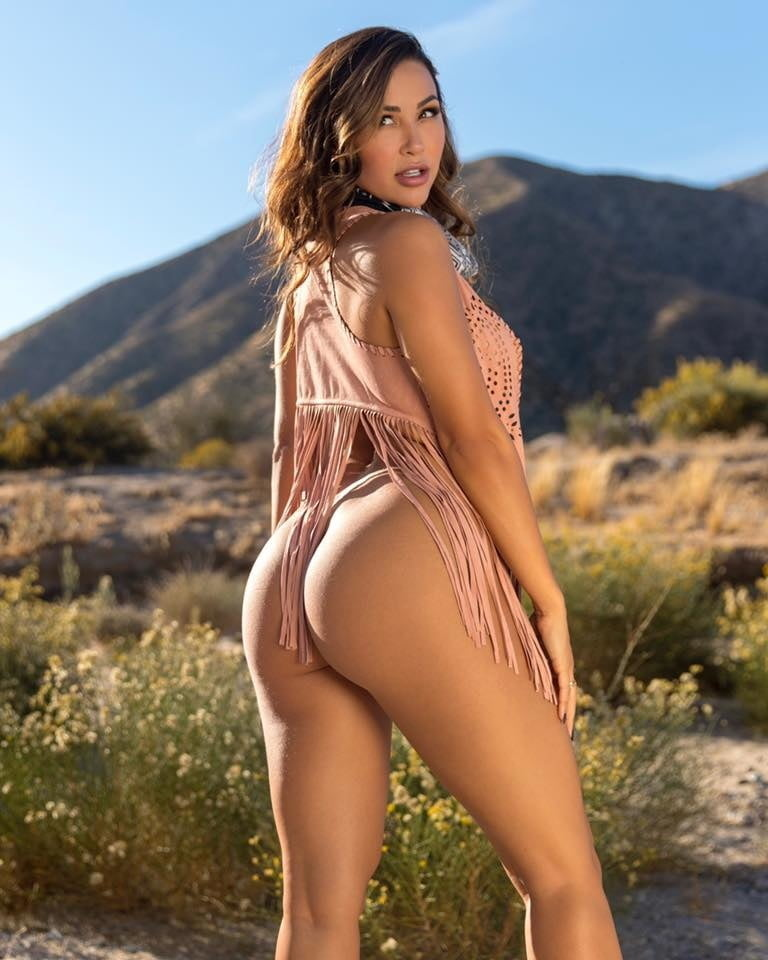 Hot naked chick ana