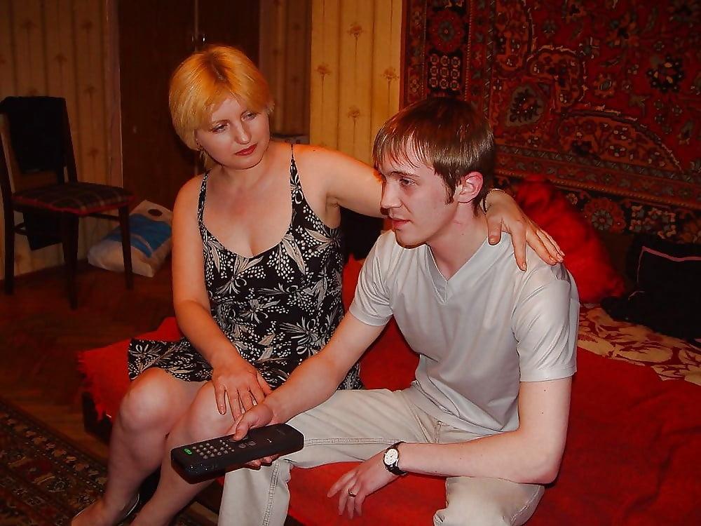 заманить зрелая русская с юнцом в постели тексте