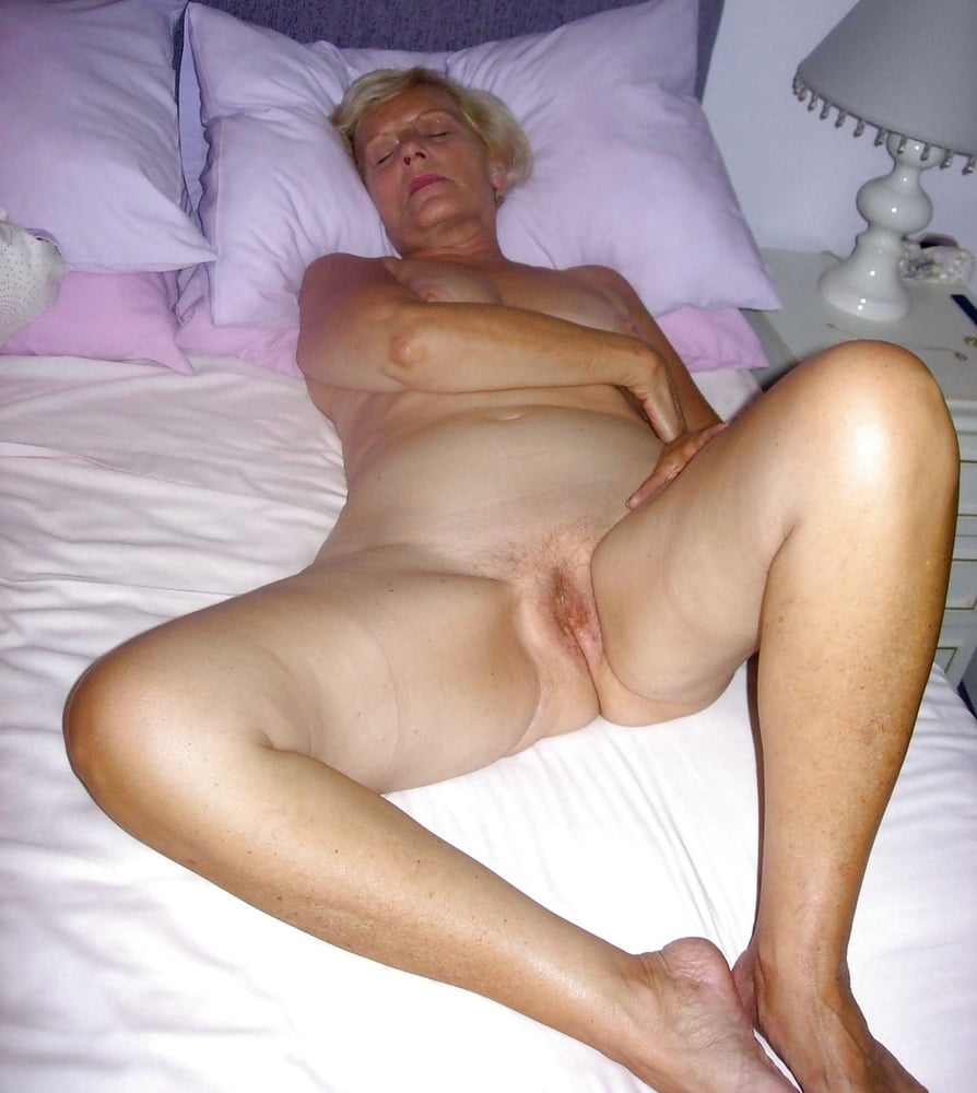 Very Old Amateur Granny Poser