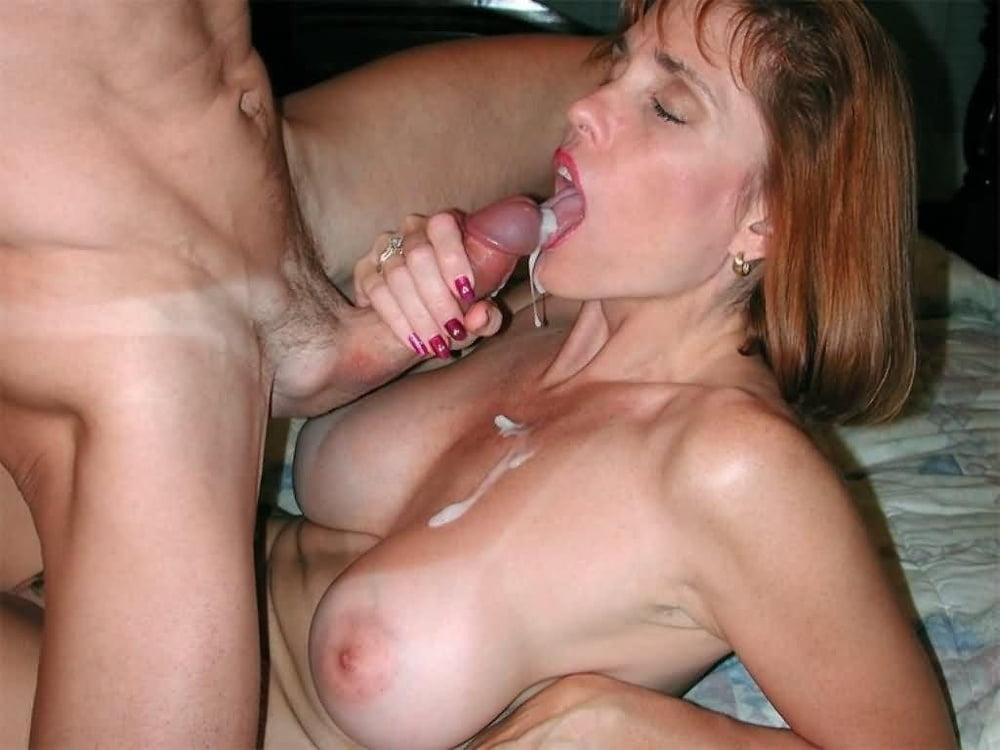 Смотреть порно зрелые дамы любительницы спермы