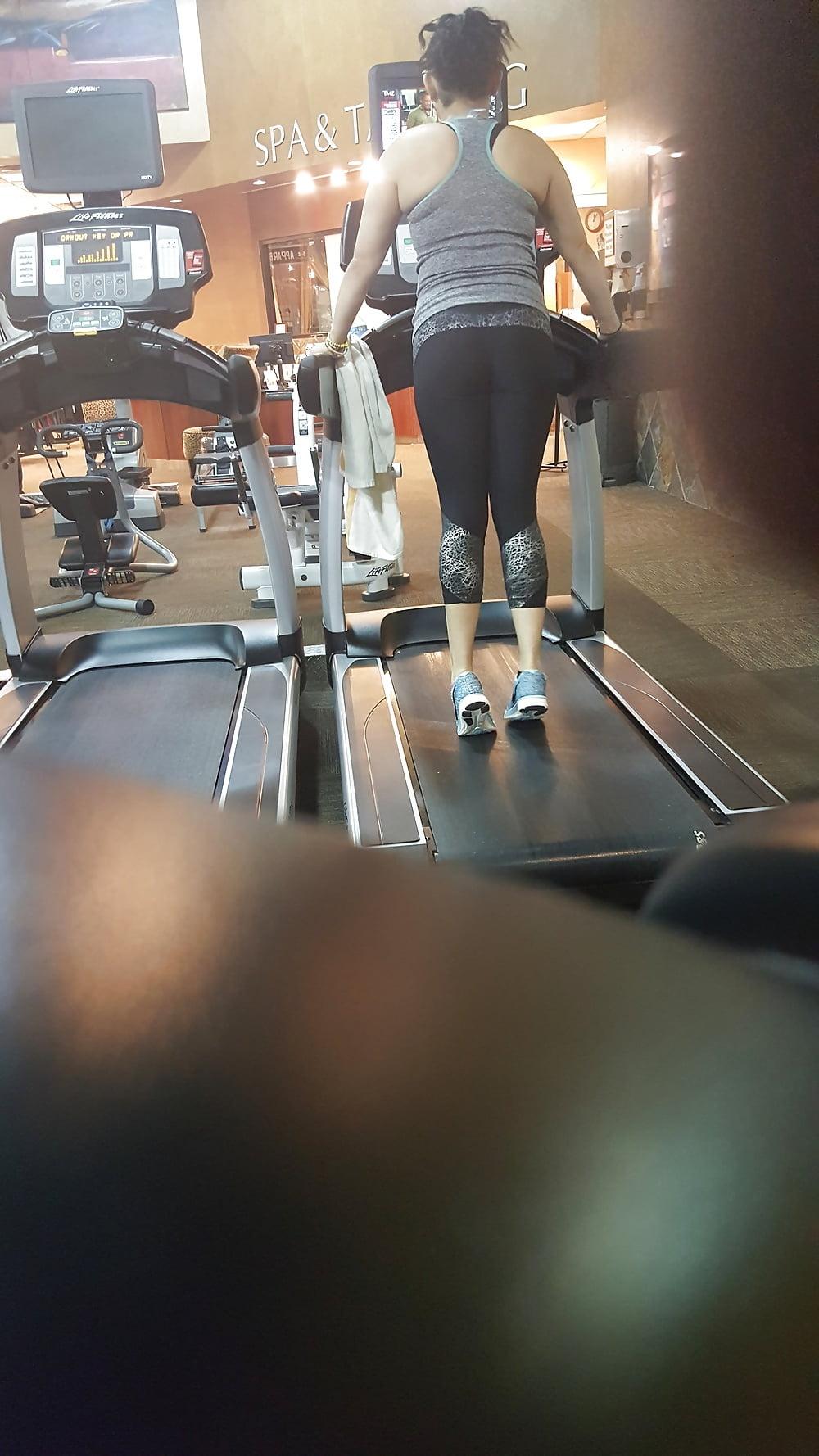 erotica-previews-amateur-gym-gallery
