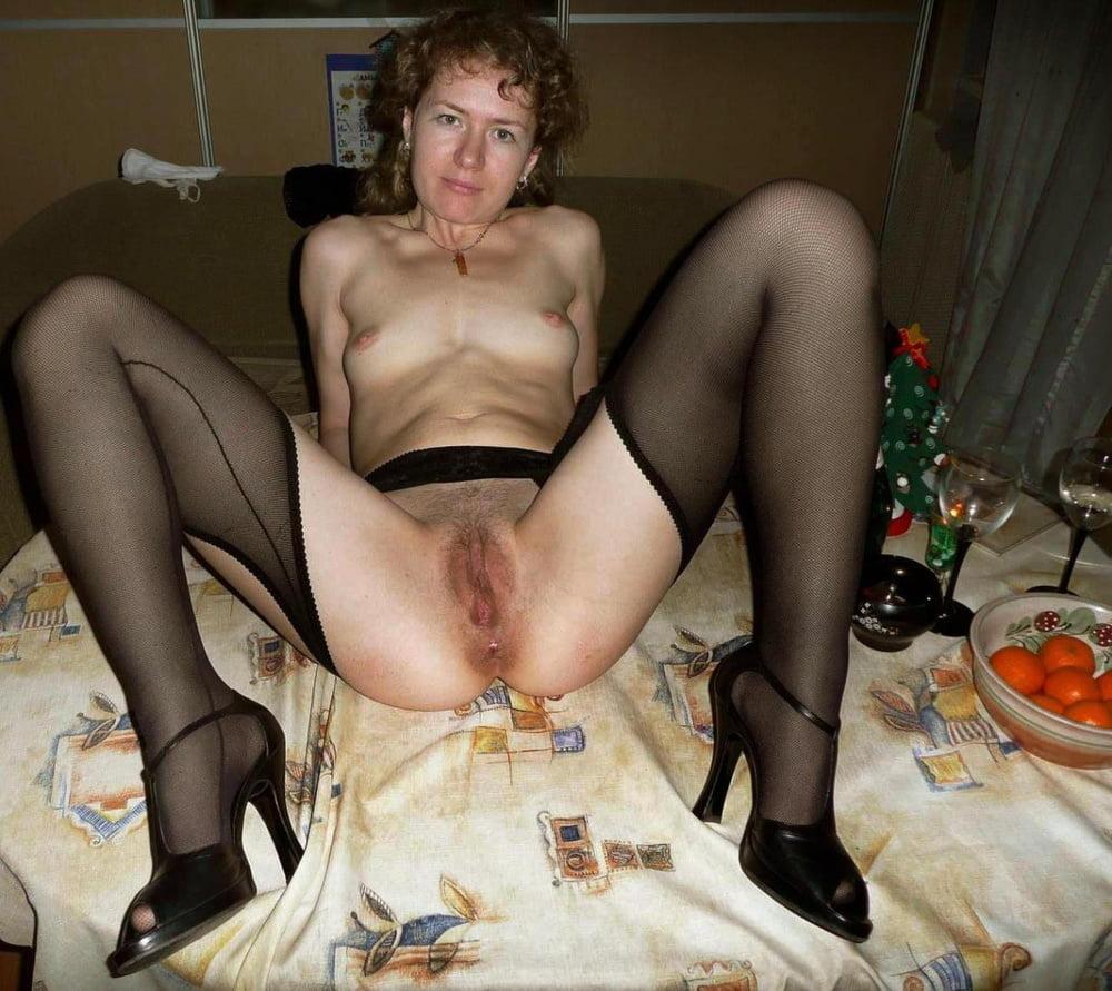 porno-sochnie-chastnoe-lichnoe-porno-zrelih-nog-ulitse-smotret