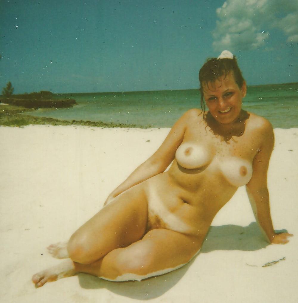 Ретро голые девушки на пляже