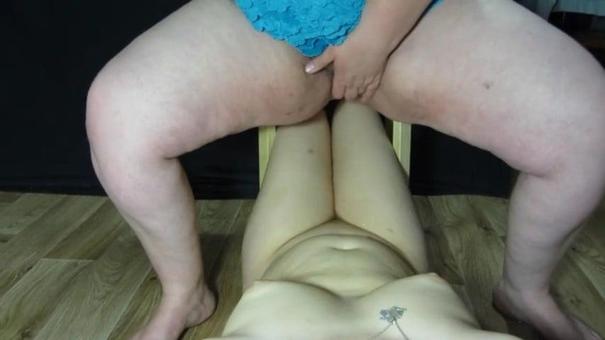 Mia moglie Aldina 61 anni piscia una ragazza moldava - 94 Pics