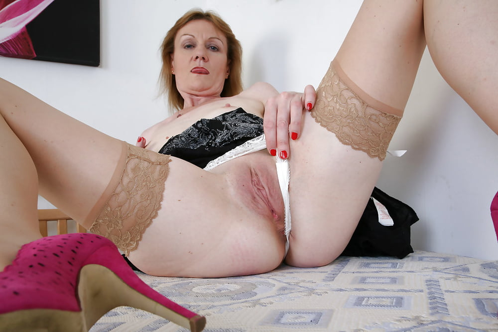 mature-hot-pussy-pics