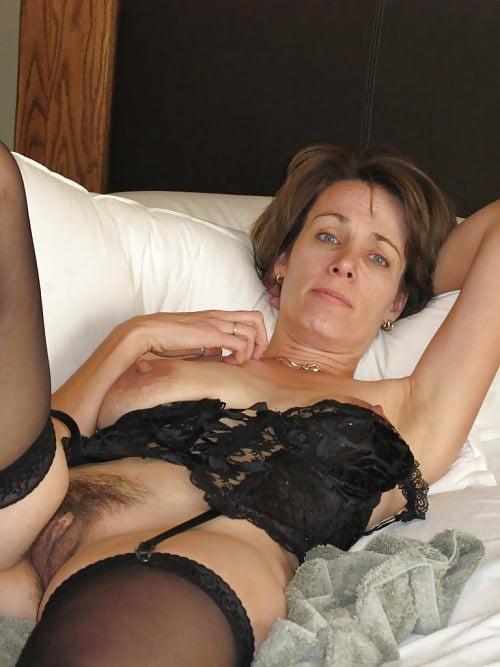 Older amateur women nude