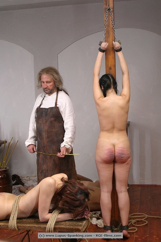 Morning Ritual Mistress Ezada Using Her Slave In The Bathroom