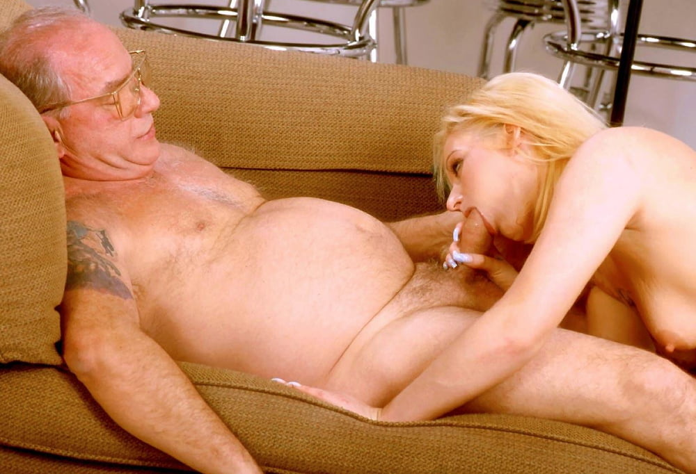 Old man loves licking pussy