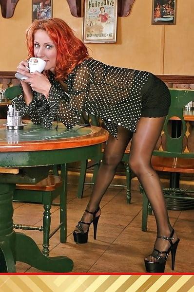 Strumpfhosenschwanz und high heels