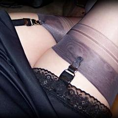 In Auto Car Sex In Lingerie