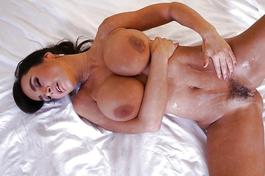 porn-fakes-big-ass-boobs-lisa-ann-gunn