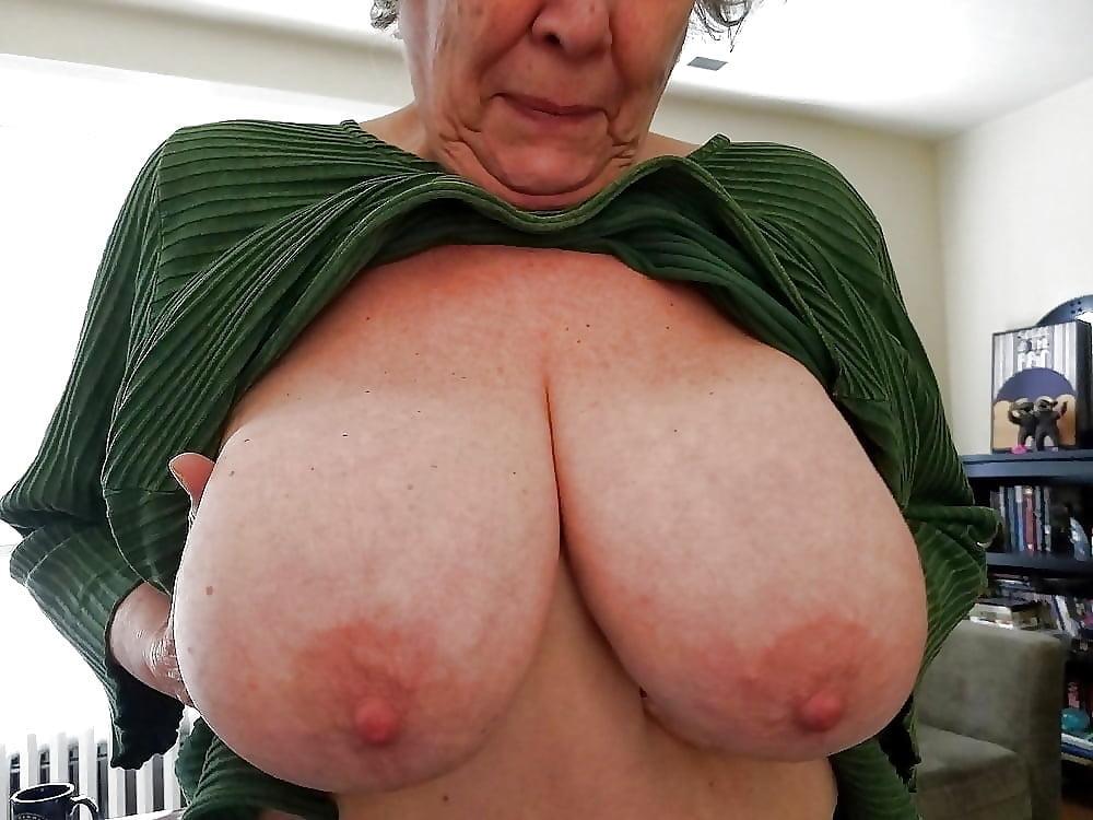 Natural Saggy Hanging Tits Big Nipples Porn Images