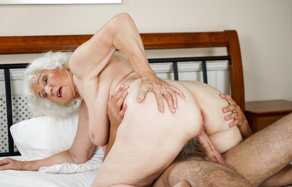 Old woman intercourse, lisa ann nude sex gif