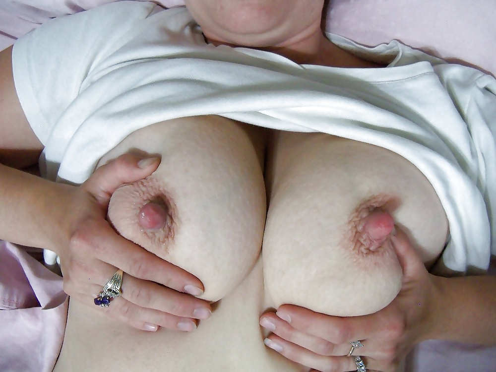 Mature nipples and milf porn pictures