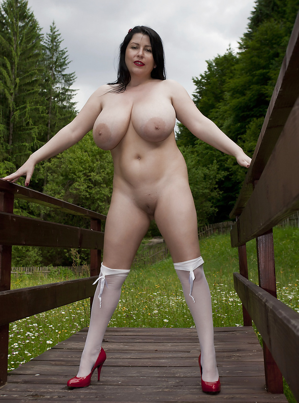 penny-big-boobs-nude-banged-mature-woman