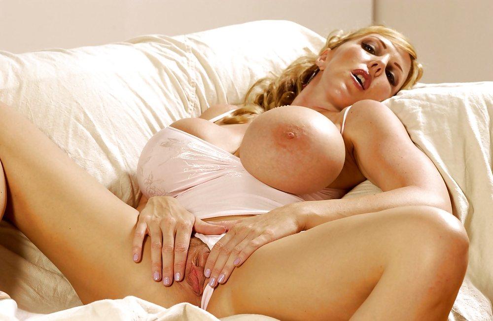 Big boobs amateur milf fucked