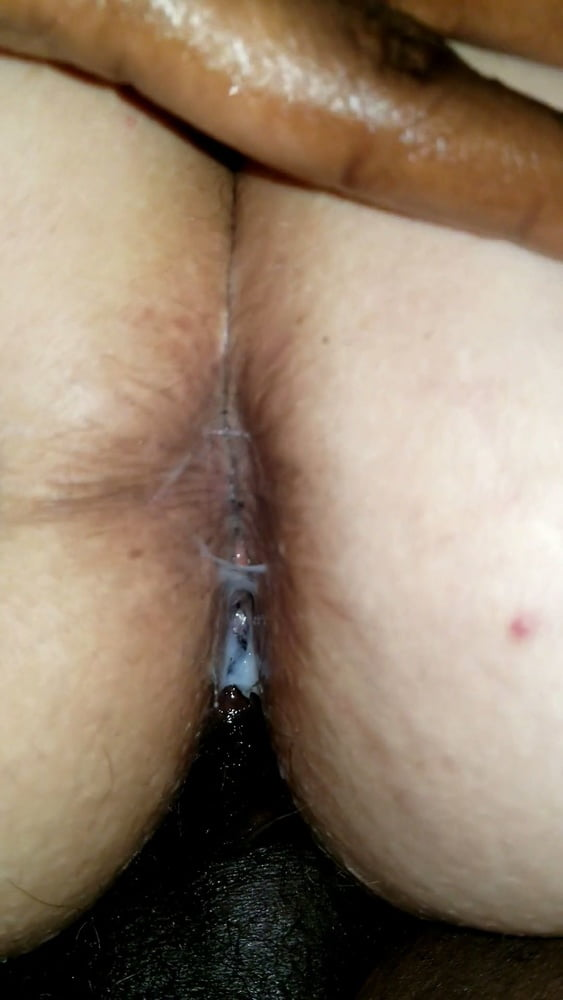 Wife squirts during anal