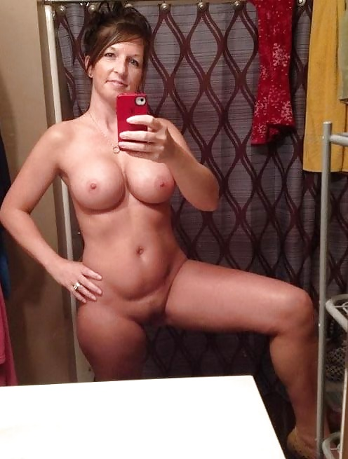 Nackt selfie mom Welcome to