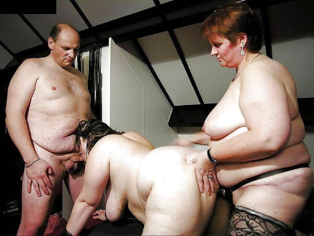 Групповое порно с жирной шлюхой