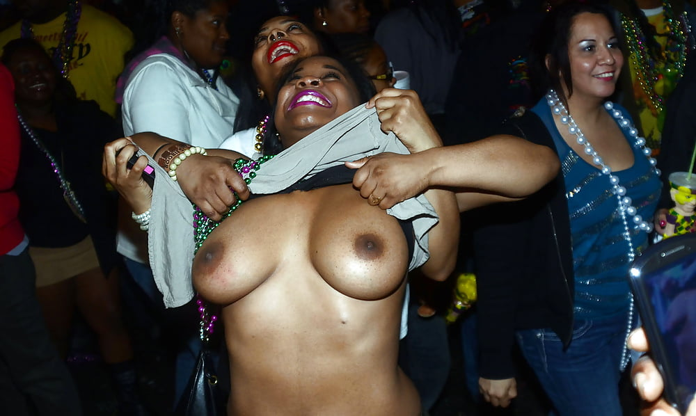 Mardi gras flasher get tits sucked