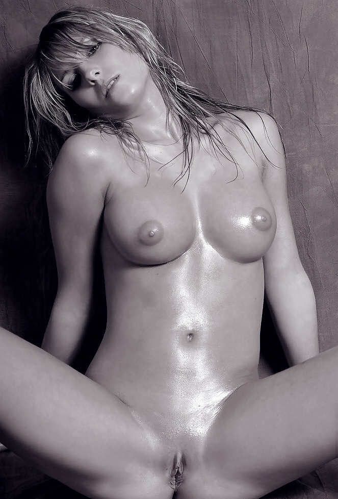 Simple nude girl
