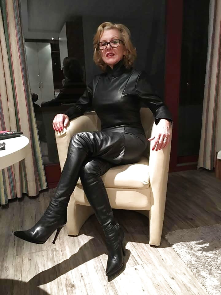 Horny girl pic of young milf in leather pussy huge