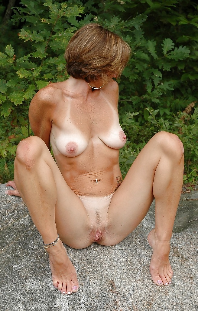 Amatuer mature naked women #6