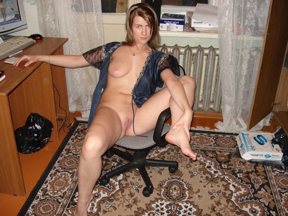 две порно женщины знакомства длинными ногами