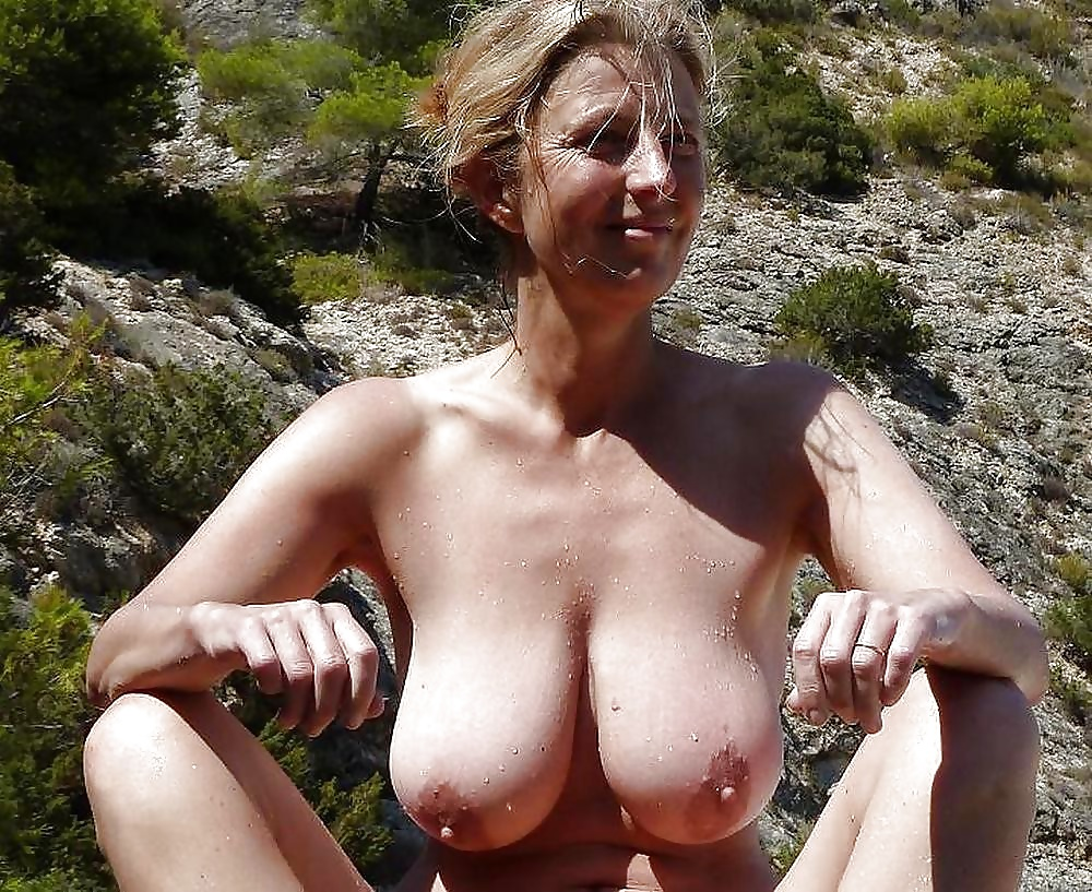 Mature milf mothers nude tits