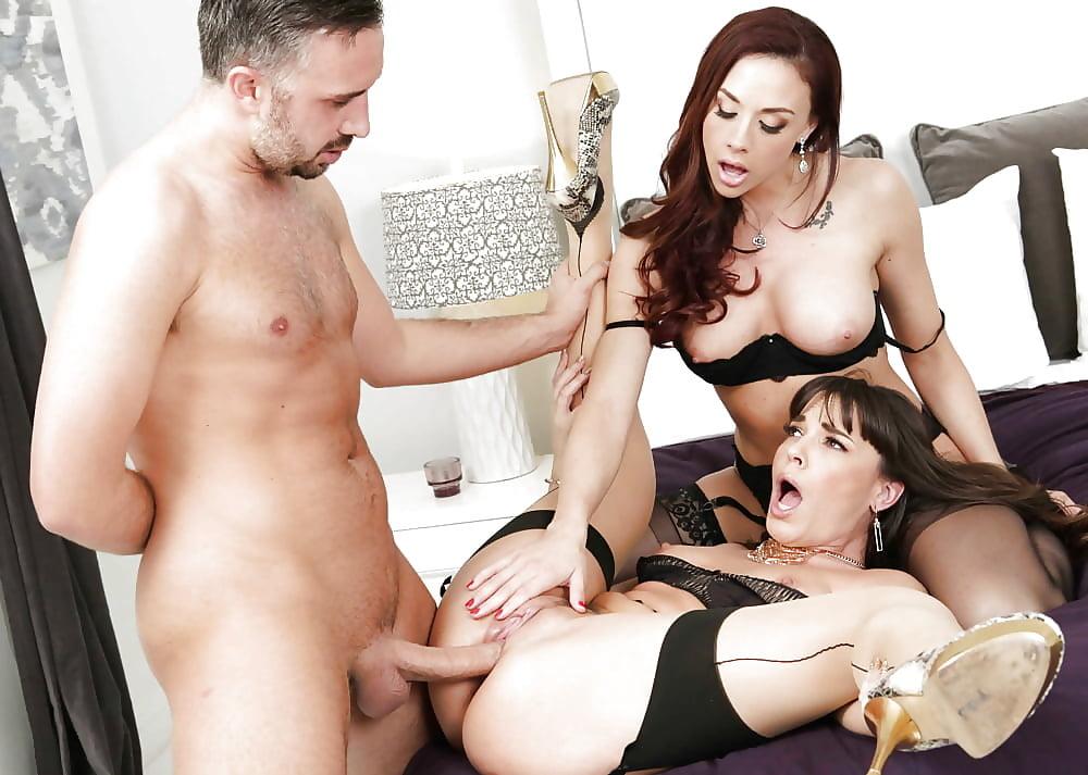 pornstar-menage-three-website-shemale