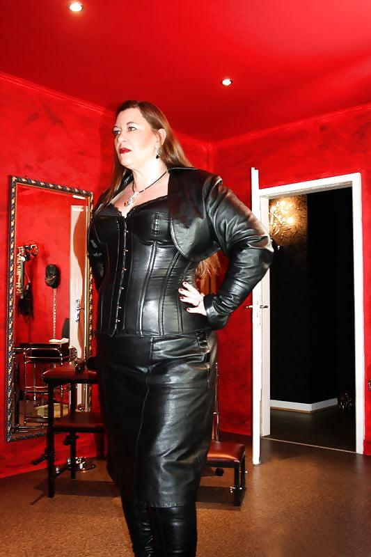 BBW Mature Femdom Leather Mistress Latex