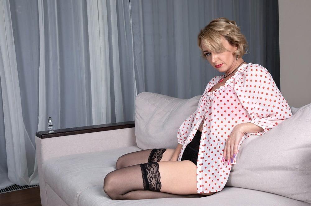 42yo Russian lustful mommy Aleksa 13.11.2020 - Anal Play - 57 Pics