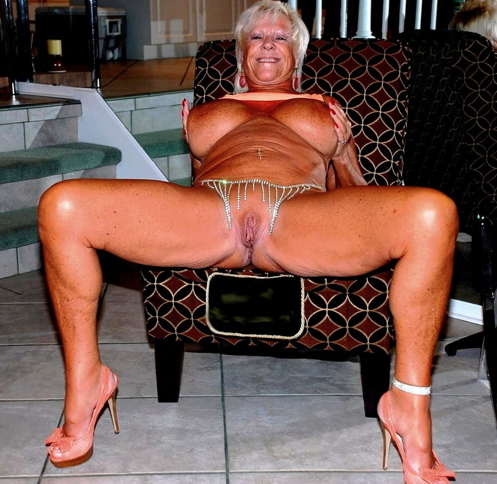 Horny older women near me-6987