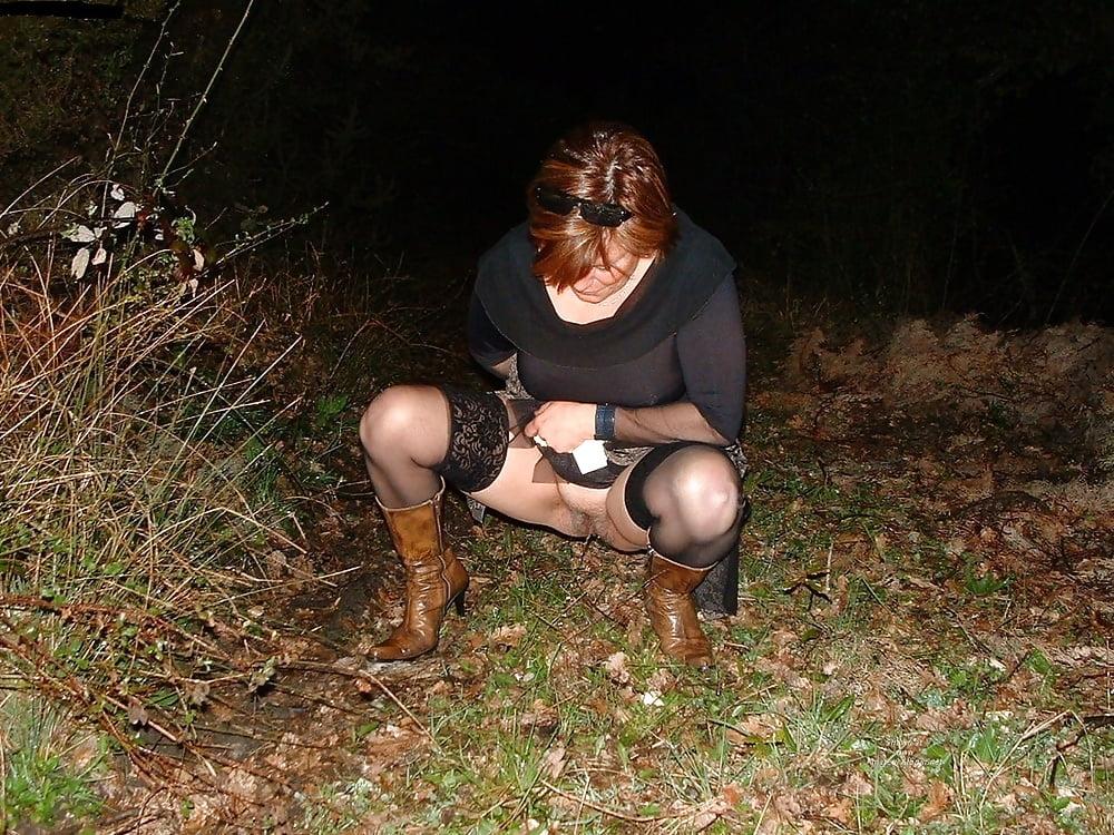 подборка фото писающих женщин снятых в расплох сможете