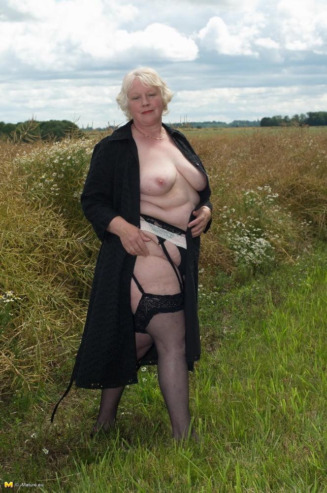 Granny Eveliene - 23 Pics