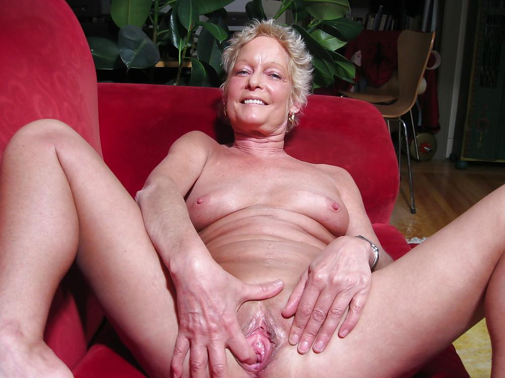 Granny granny granny porn, srxy naked girl in bed