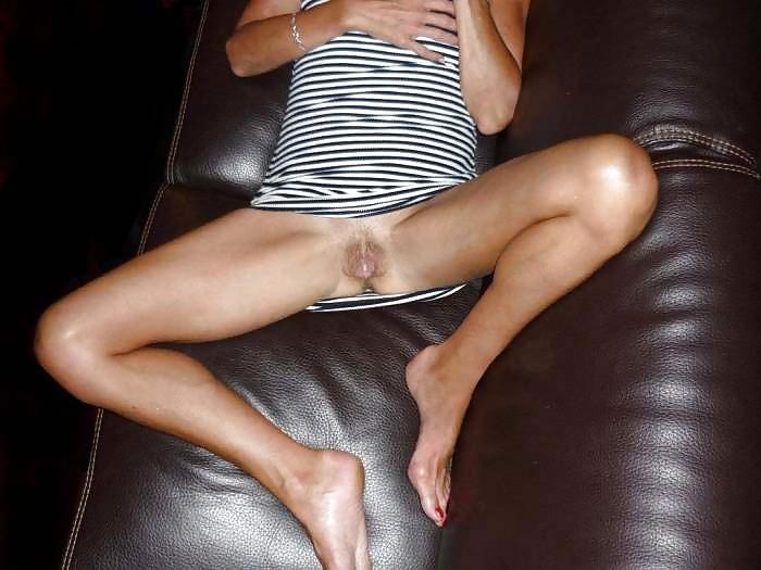 откуда она пьяные девушки раздвигают ноги без юбки видео переписывает мои
