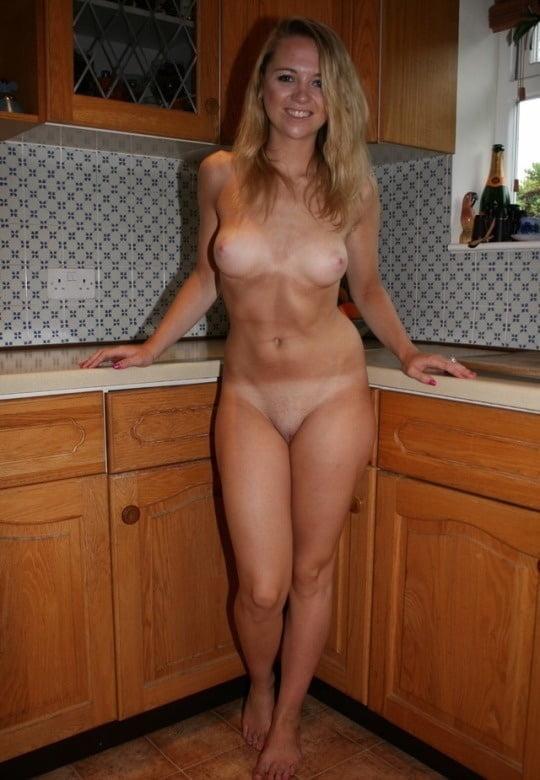 Gorgeous naked wife-3389