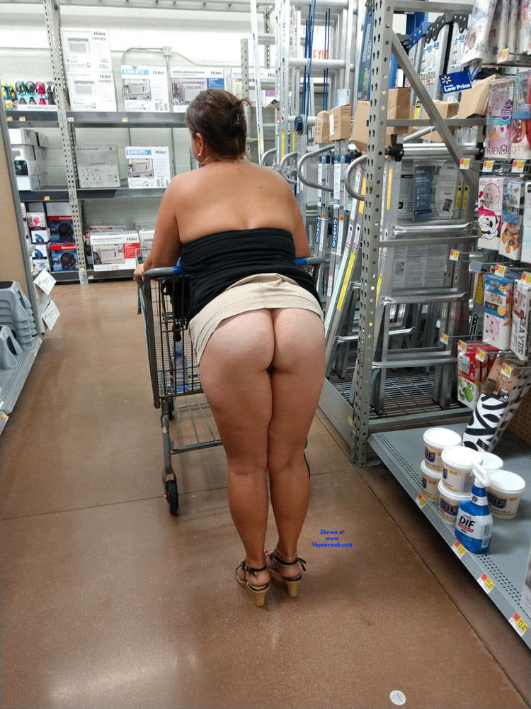 Boobs Free Public Nude Flashing Pics