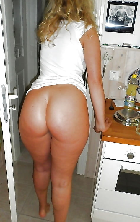 moms-with-big-bums-nudes